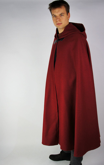 Wool cape with wolf buckle Tjark Red