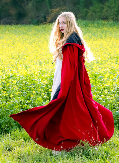Velvet cape with inner lining Mandy Red
