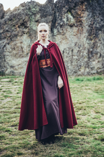 Classic medieval cape Elinor Red