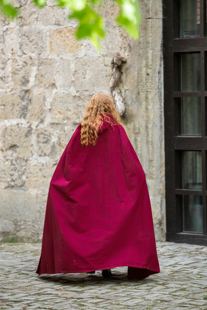 Medieval cape with embroidery Erna Red