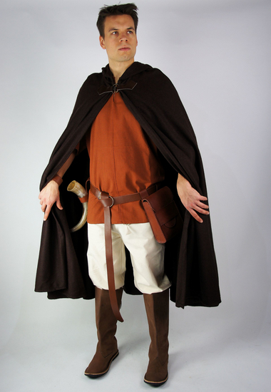 Wool cape with fibula and long hood Ilmar