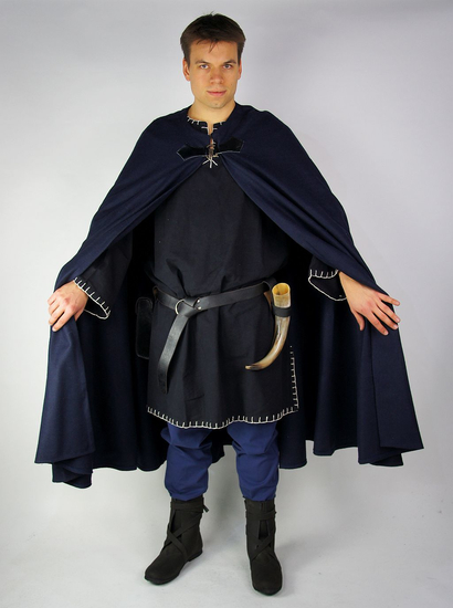 Hoodless wool cape with clasp Dylan