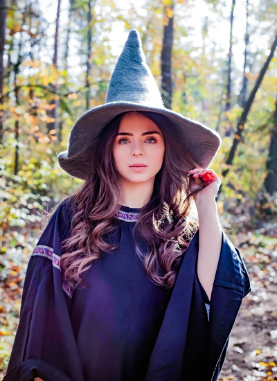 Witch hat Agata Grey
