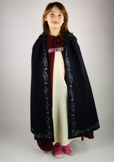 17013 Cotton cape with embroidery