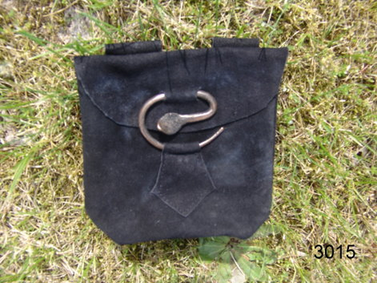 Leather belt pouch with snake buckle  Adelie Black
