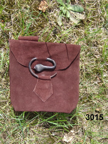 Leather belt pouch with snake buckle  Adelie Brown