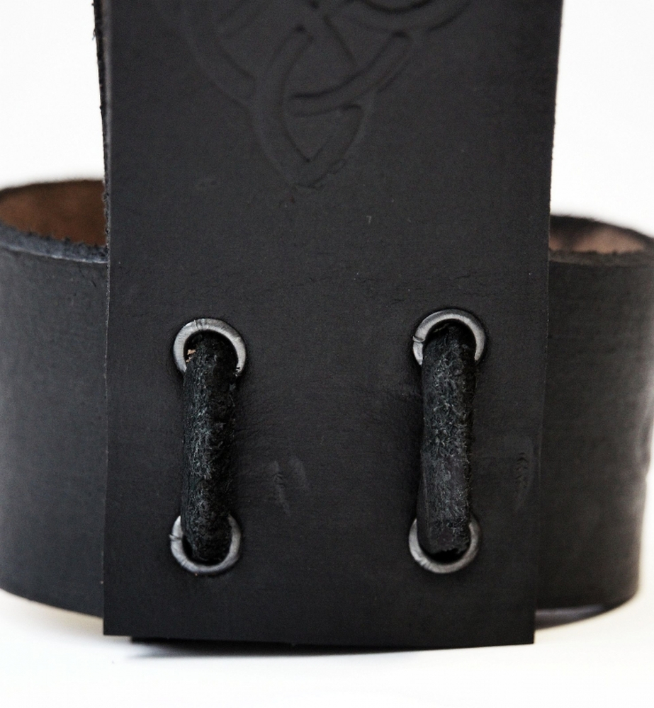 Leather horn holder with Celtic embossing Black