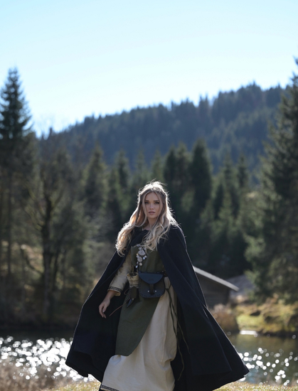 Viking dress Aleiga Green