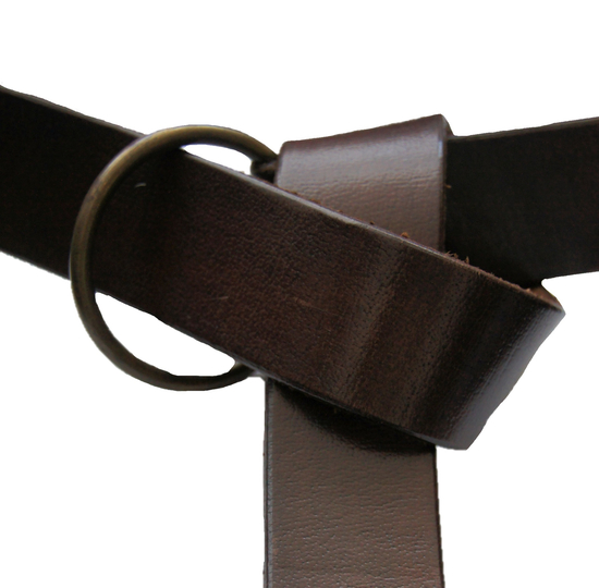 Ring belt in robust leather brown